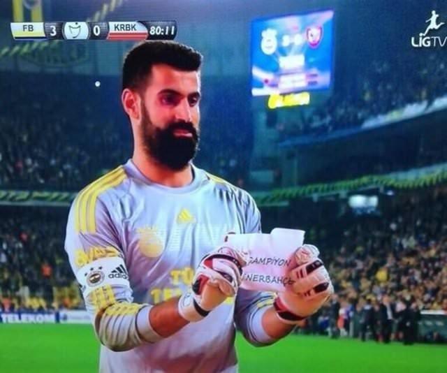 Kadıköy'de elden ele dolaşan kağıt