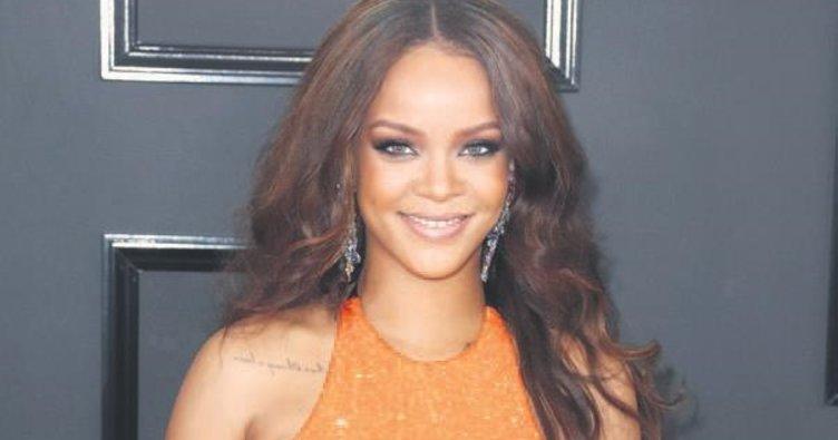 Şimdi trend 'Rihanna gibi giyinme' estetiği