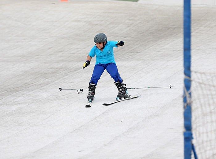 Sıcak havada kayak keyfi
