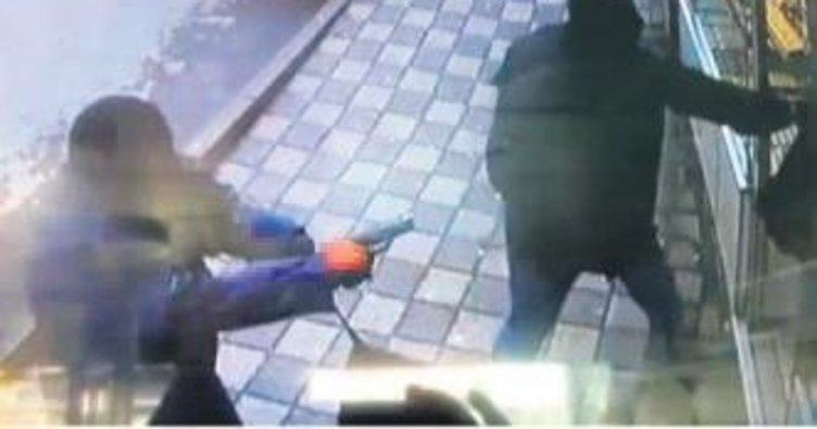 Polisle çatışan çete kamerada
