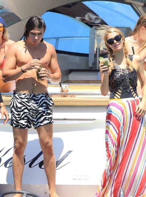 Paris Hilton'ın İbiza Keyfi