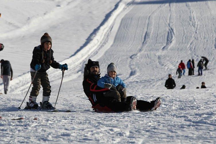 Hakkari'de kayak keyfi