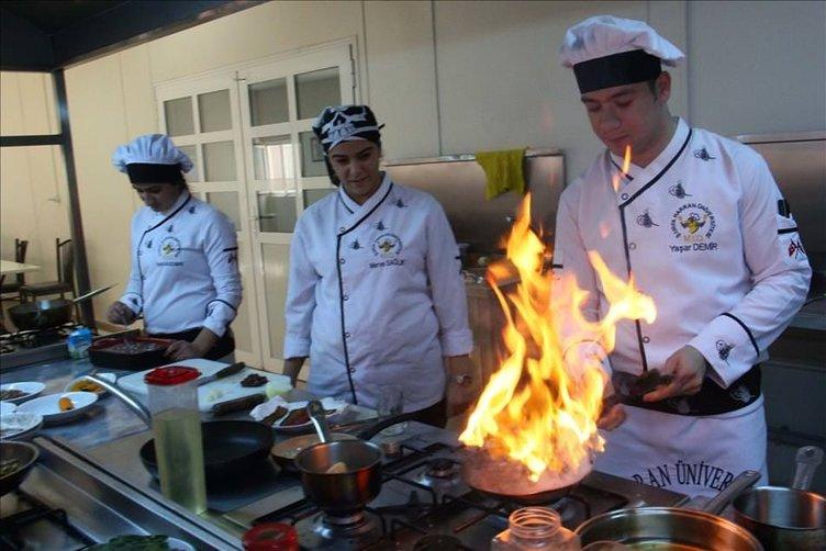 Yöresel tatlar üniversiteli aşçılara emanet