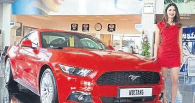 Ford Mustang efsanesi İzmir'de