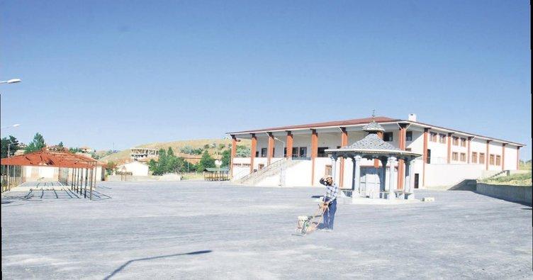 Balâlılar külliye açılışı için Erdoğan'ı bekliyor