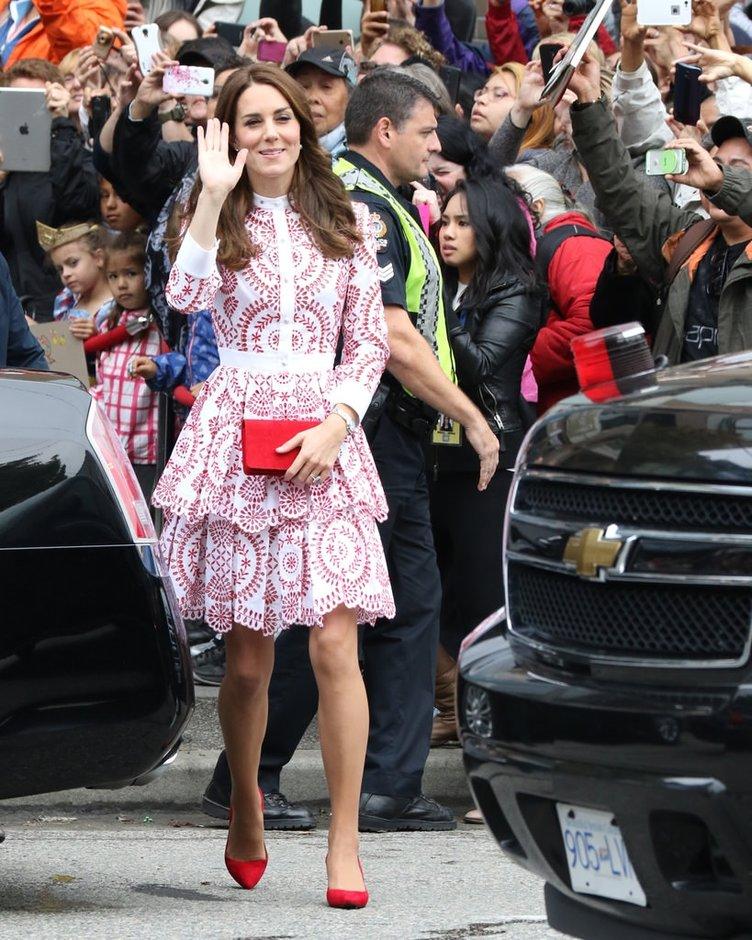 Kate Middleton günden güne eriyor!