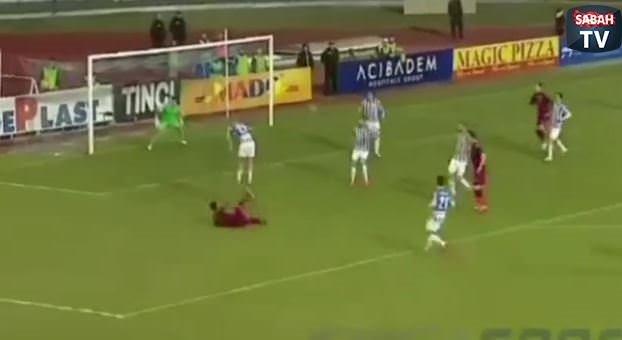 3 saniyede 3 gol kurtardı!