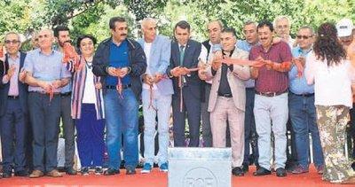 Türkiye'nin renkleri Çukurova'da buluştu