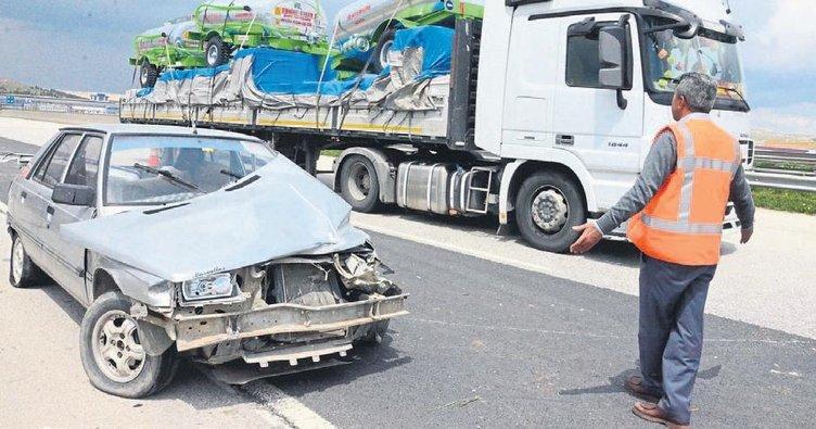 Araç takla attı 4 kişi yaralandı