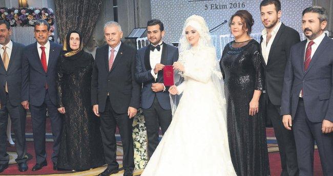Bu düğün Meclis'i bir araya getirdi