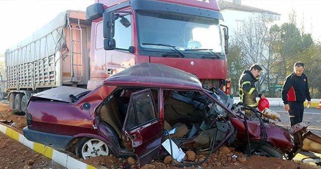 TIR'ın sürüklediği otomobildeki hamile kadın öldü