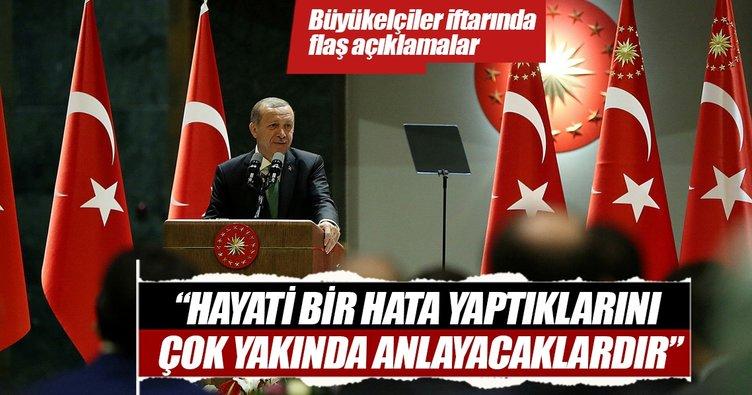 Cumhurbaşkanı Erdoğan'dan kritik mesajlar!