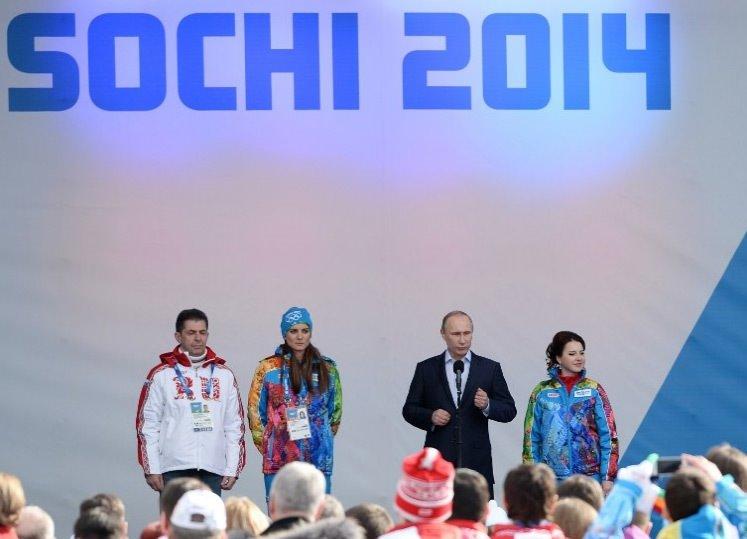 Olimpiyat ateşini Putin'in sevgilisi yakacak