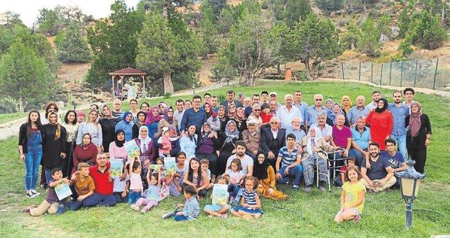 Asırlık çınarın 100 kişilik ailesi
