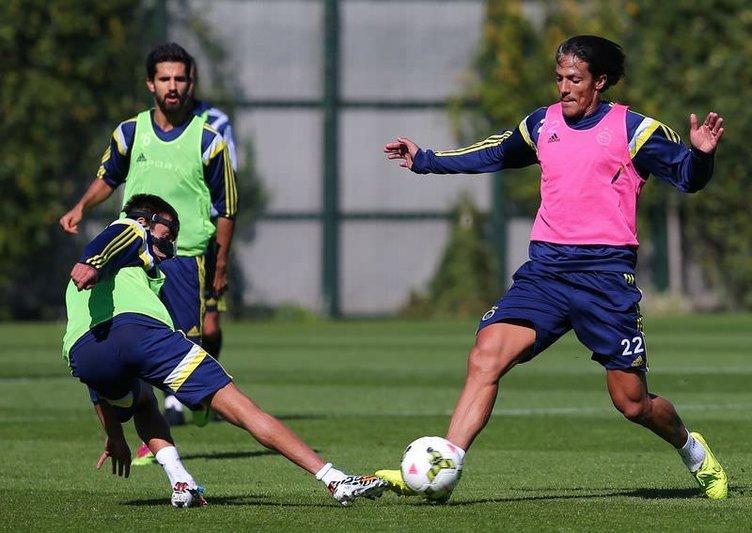 Fenerbahçe'de Alves'li antrenman