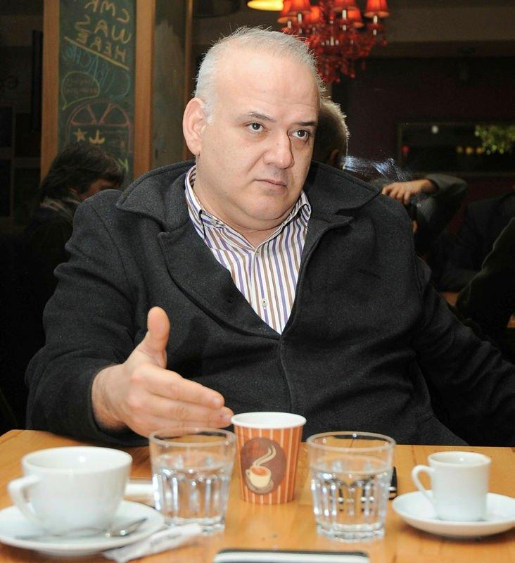 Ahmet Çakar: Kader ağlarını mı örüyor?