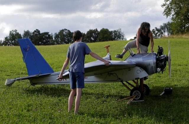 Uyku sevgisi uçak yaptırdı!