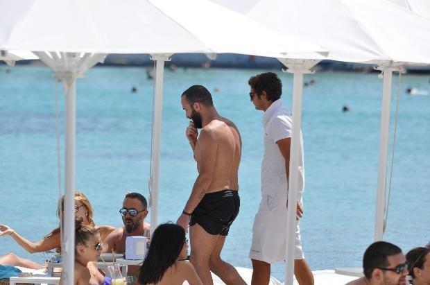 Asena Erkin ve Berkay tatilde pişti oldu