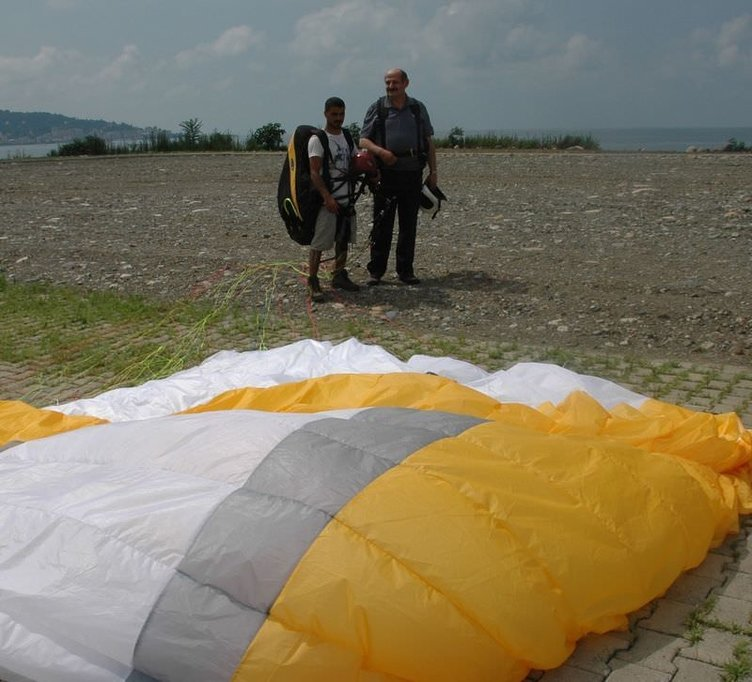 Rize Belediye Başkanı paraşüt kazası geçirdi