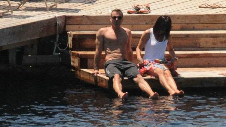Murat Başoğlu ile eşi iskelede aşka geldi