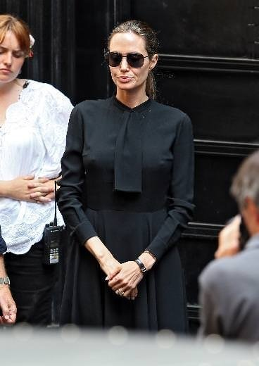Angelina Jolie hiç durmadan kilo veriyor