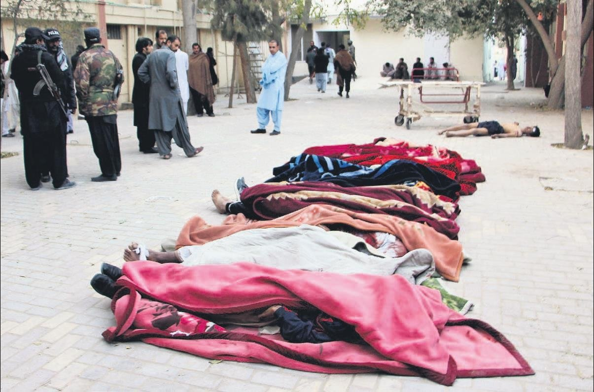 DEAŞ ile Taliban'ın katliam yarışı 61 ölü