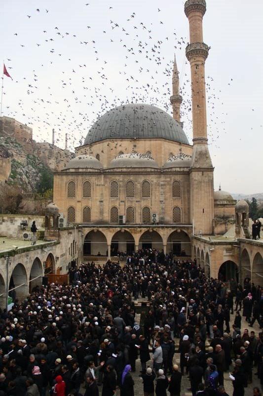 Bediüzzaman'ın talebesi Abdülkadir Badıllı son yolculuğuna uğurlandı