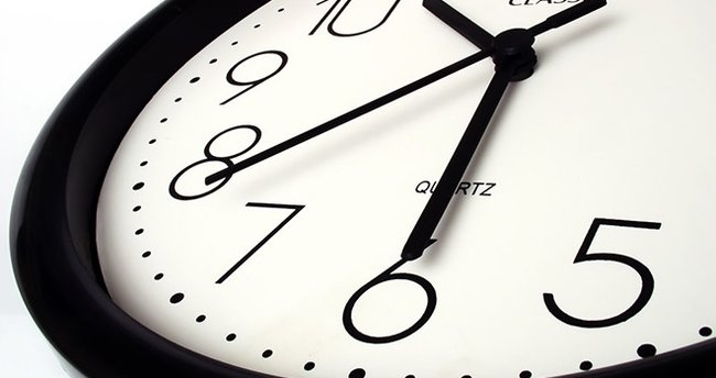 Saat kaç oldu? - Google'ın saatine dikkat edin! İşte doğru ve güncel saat...