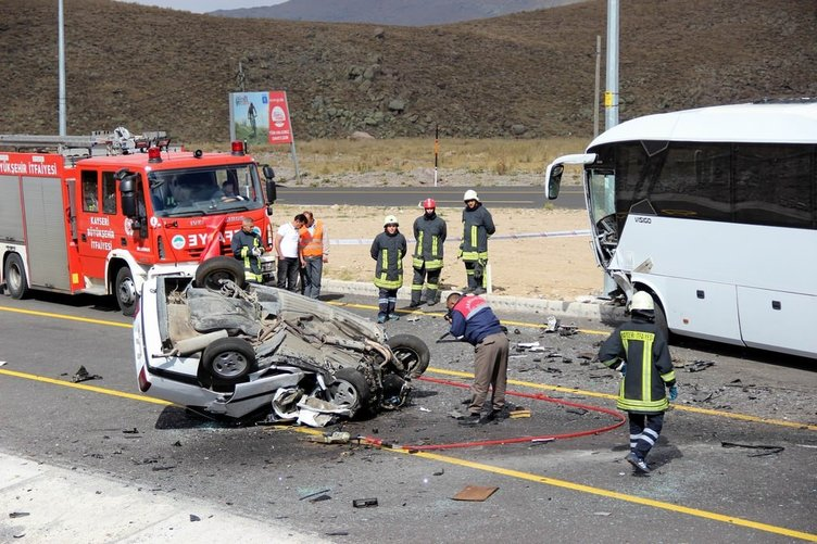 Kayseri'de feci kaza: 1 ölü, 4 yaralı