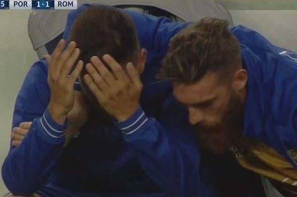 Oyuna alınmayınca ağladı!