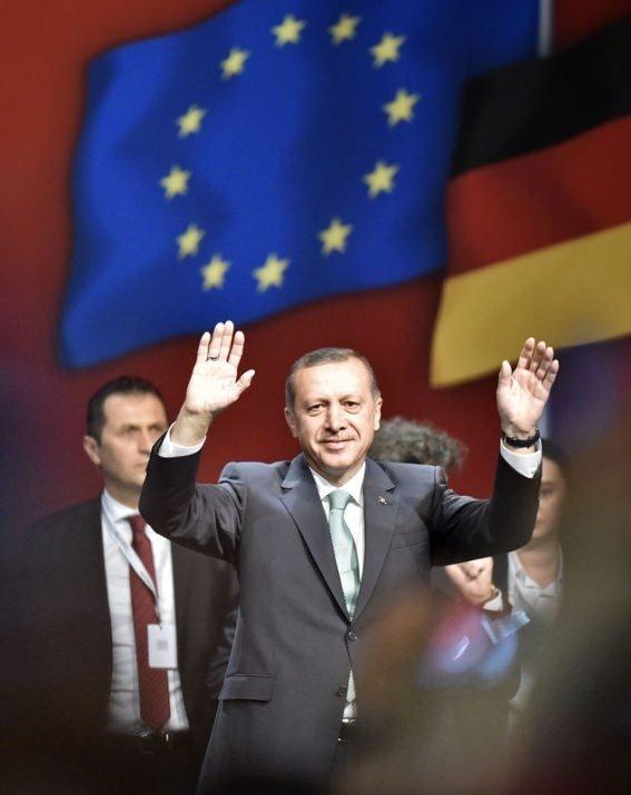 Başbakan Erdoğan'a  Almanya'da büyük sevgi seli