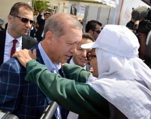Cumhurbaşkanı Erdoğan'a şehit annesinden yakın ilgi