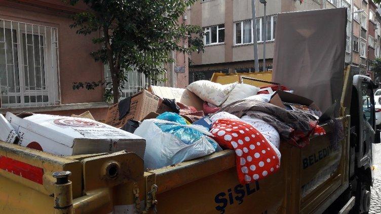 Şişli'deki çöp evden 1 kamyon çöp çıktı