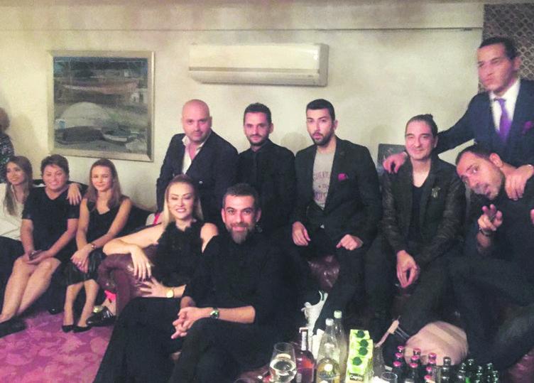 Hande Yener ile Ümit Cem Şenol'un nişanından kareler