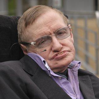 İngiliz fizikçi Stephen Hawking Roma'da hastaneye kaldırıldı!