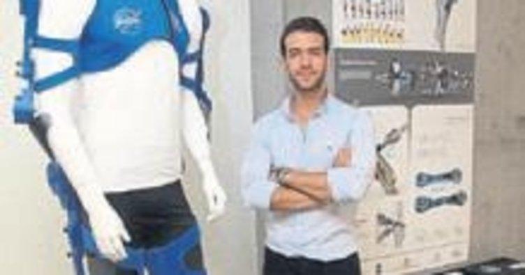 İEÜ'nün astronot kıyafeti ödül aldı