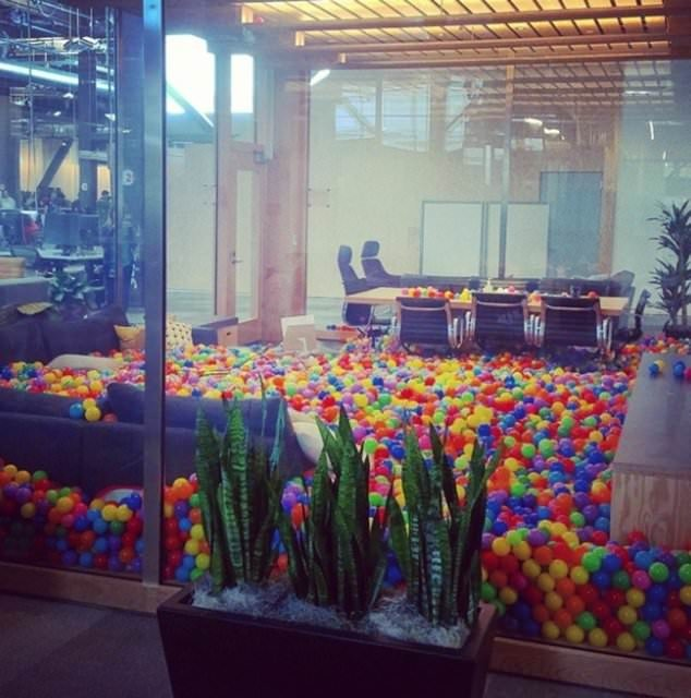 İşte Facebook'un çılgın ofisi!