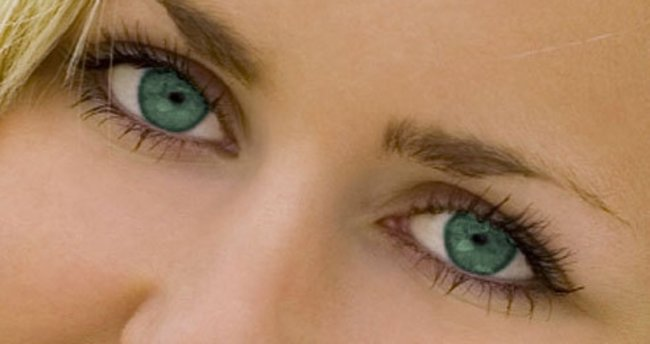 Renkli gözlüyseniz dikkat!