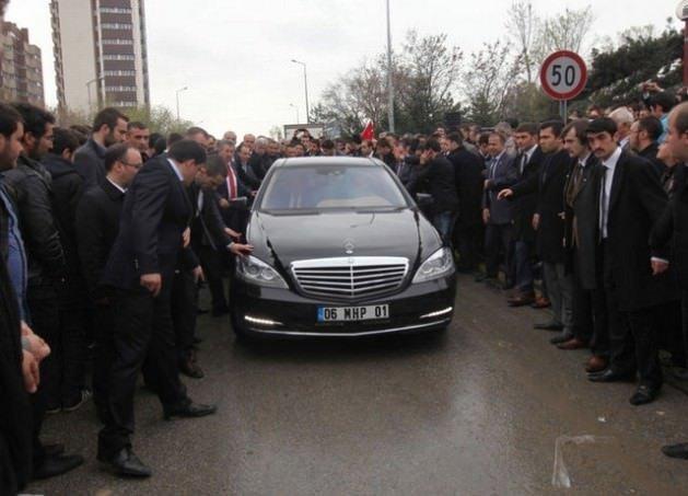 Siyasetçilerin kullandığı otomobiller