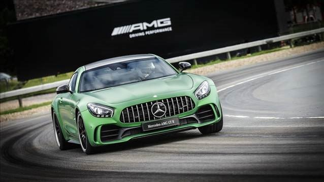 577 HP'lik Mercedes-AMG GT R