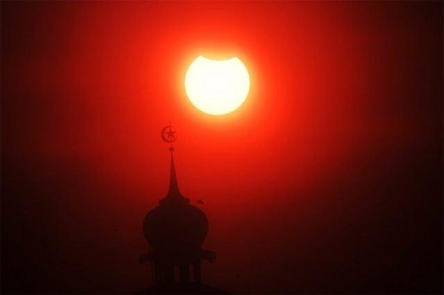 Endonezya'da güneş tutulması