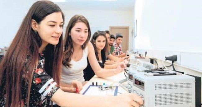 Yaşar'da bilim şenliği zamanı