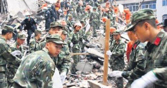 Çin'de 4 bina çöktü: 17 ölü