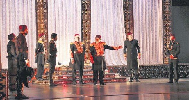 Türkiye'nin ilk darbesi tiyatro sahnesinde