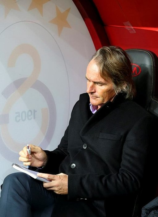 Riekerink'e UEFA kriteri engeli