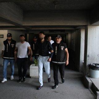 Polis kıyafetli gasp çetesi çökertildi