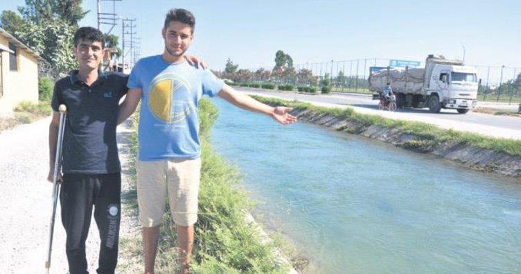 Yüzme bilmediği halde boğulan genci kurtardı