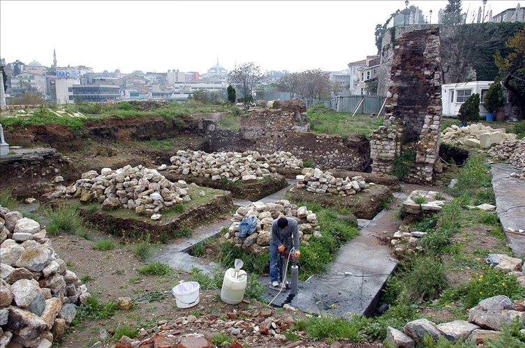 Fatih'teki 10 bin 400 tarihi eser kurtarılıyor