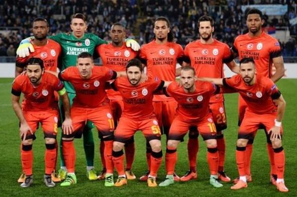 Galatasaray'da üç isim gönderiliyor!