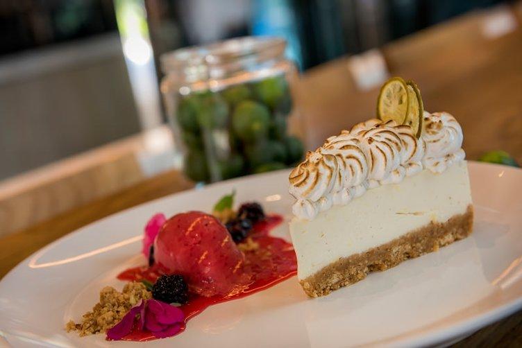 Satsuma&merengue pie